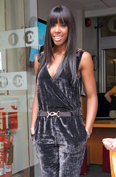 Kelly-Rowland-London-BBC-long-straight-hair-blunt-bangs