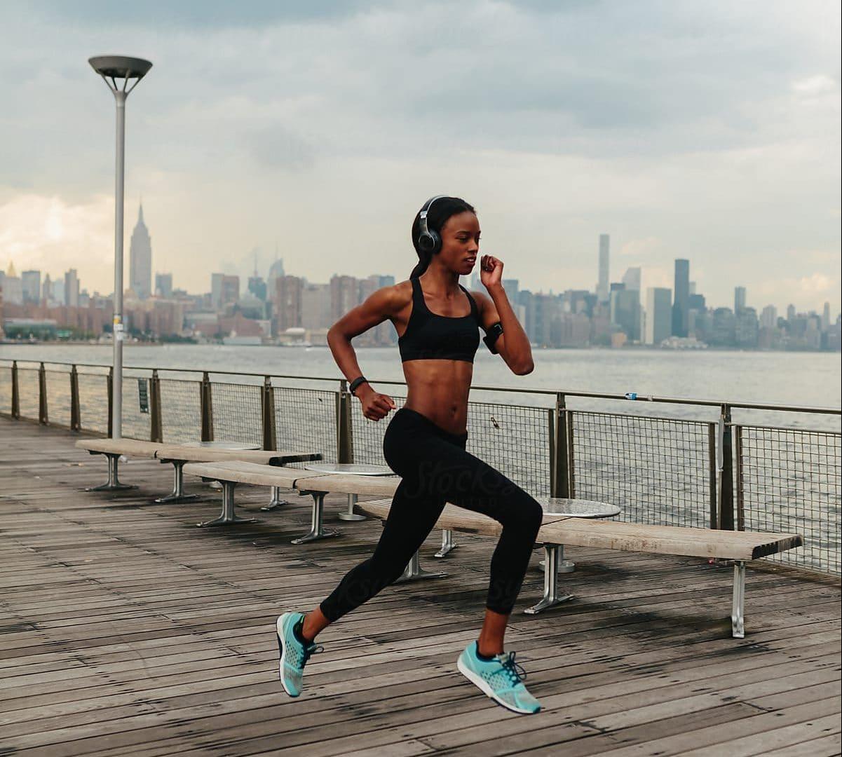 Resultado de imagem para black woman running
